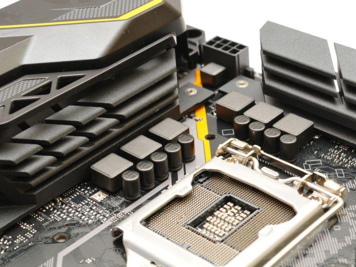 6 相主供電採用TUF軍規設計。