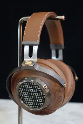 耳機設計相當高檔。