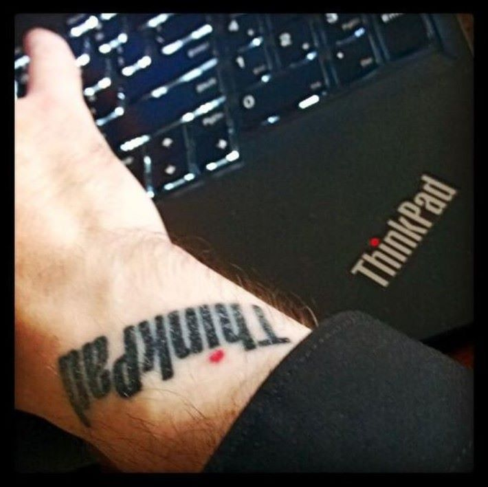 ThinkPad Logo 紋身。