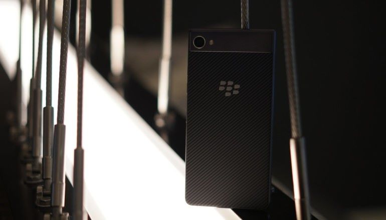 沒有鍵盤的黑莓 BlackBerry Motion