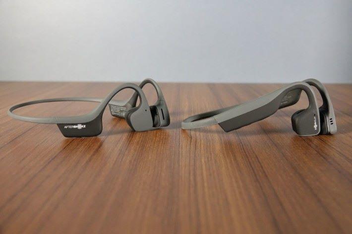 控制器及電源,Air (左) 都比 Mini 小