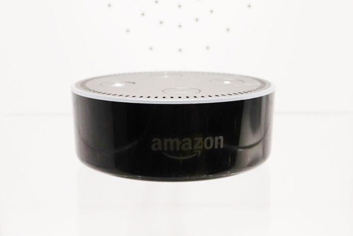 曼佳美的熒智 ZB 照明方案兼容 Amazon Alexa 語音聲控功能。