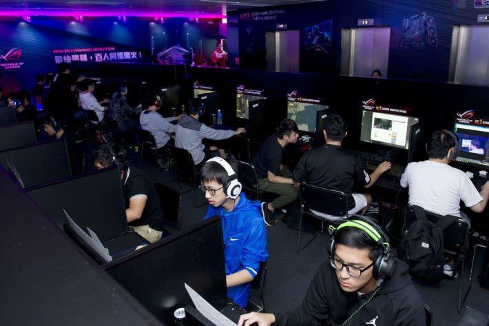 比賽由開始報名到300位選手滿額只花了26小時,是 CGA 歷來大規模賽事之冠。