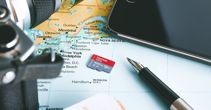 SanDisk 400GB Ultra micro SD card_lifestyle 1