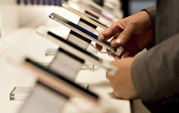 Apple Samsung 雄霸翻新機市場
