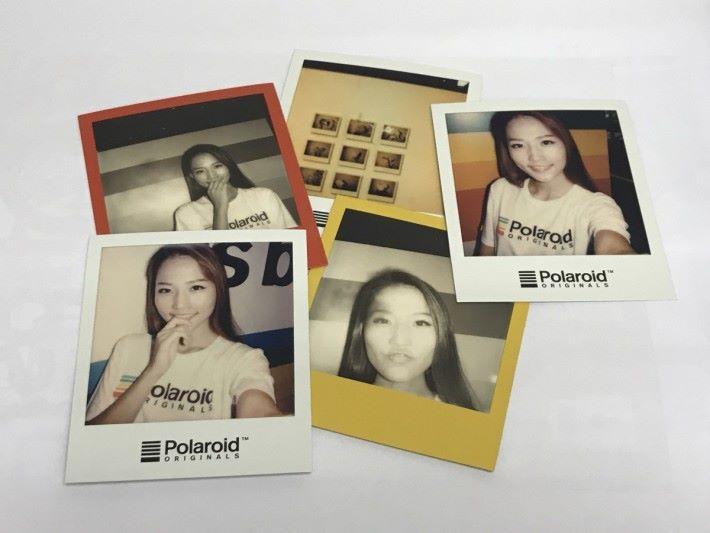 使用新的 i-Type「即影即有」相紙,色彩更鮮艷,顯影時間也較快。