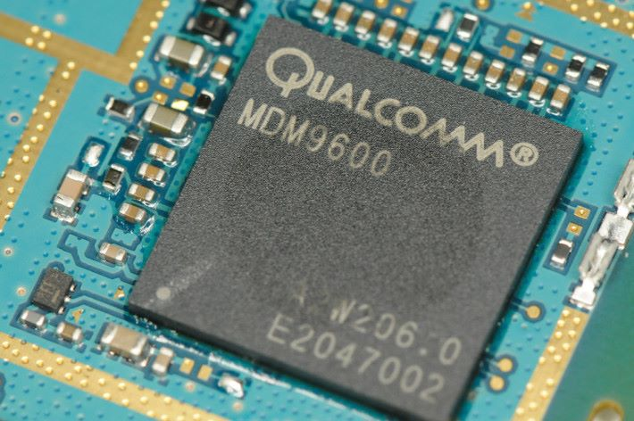 Qualcomm 與 Apple 長年就專利權問題對簿公堂
