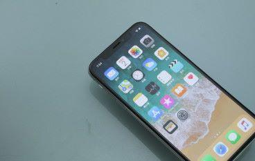 iPhone X 又出事 接電話時屏幕反應變遲鈍