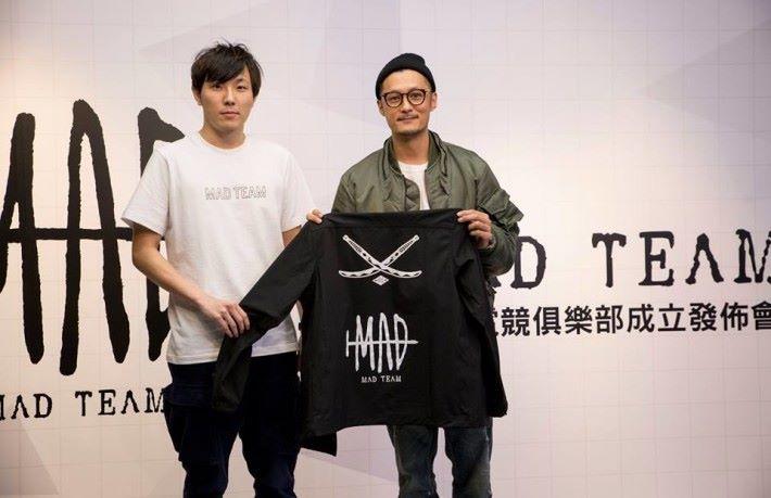 成員將會余文樂旗下品牌 Madness 的制服。