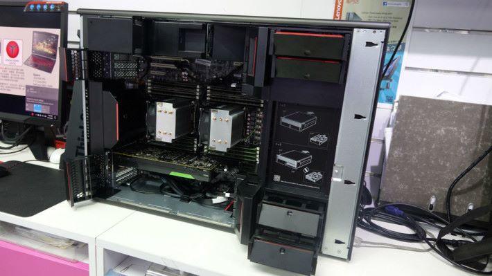 Lenovo ThinkStation P910 內籠。