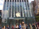 Apple 於 2016年在南韓開設專門店,但選址竟然是在 Samsung 總部附近。