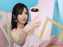 女神加持 自拍神器 Meitu V6 北京上手玩