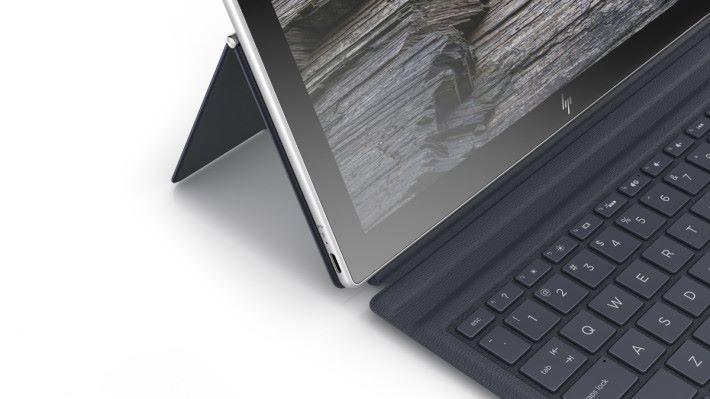 採用 USB-C 接口和軟性鍵盤,支援觸控筆。