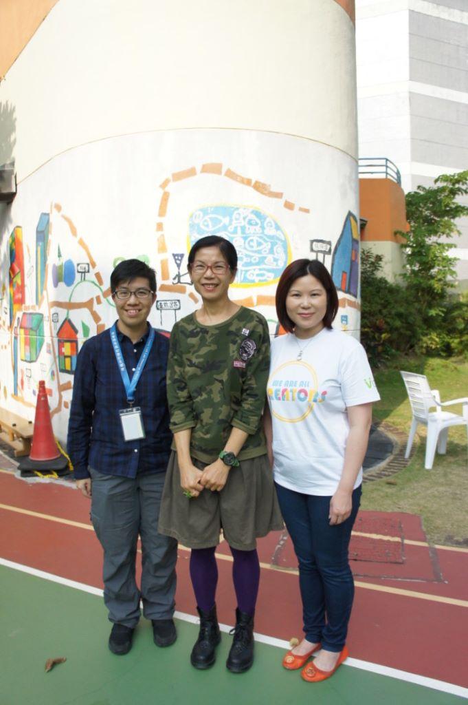 (左)道慈佛社楊日霖紀念學校主任李佩茜與(中)中學副校長黃麗芳均表示科技能讓特殊學生有更多創作及學習空間。