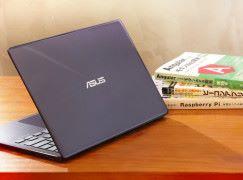 ASUS ZenBook 13 輕薄獨顯