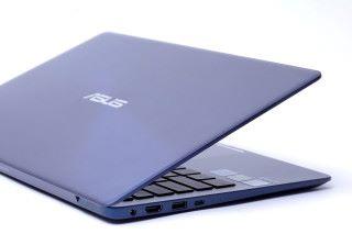 既提供新式 USB Type-C 介面,亦有兩組 USB 3.0 大頭及HDMI 顯示輸出。