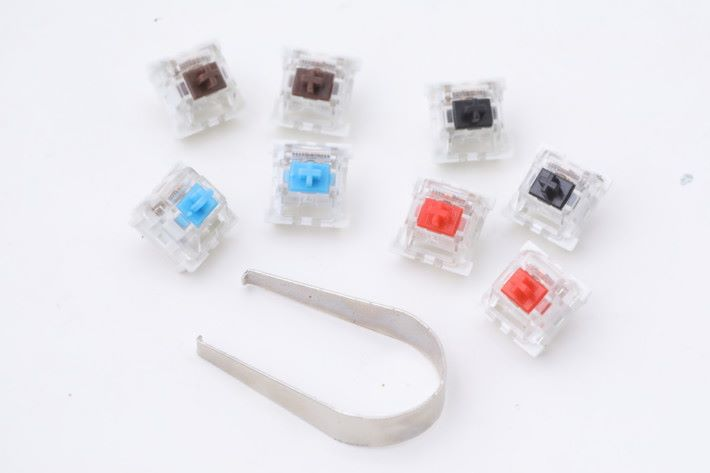 一共有青、茶、紅、黑種鍵軸選擇