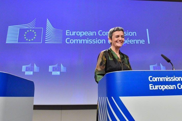 歐盟委員會負責競爭政策的委員 Margrethe Vestager 指 Qualcomm 不合法地阻止其他競敵進入 LTE 基頻晶片市場超過 5 年