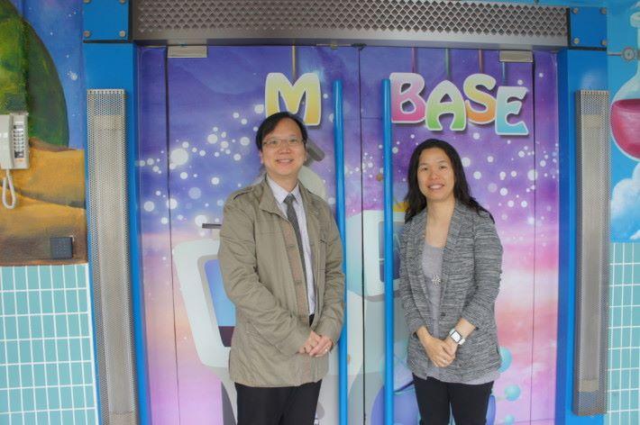 浸信會沙田圍呂明才小學進行是次課程設計兩位統籌老師( 左) 趙嘉俊和(右)文雁菁。