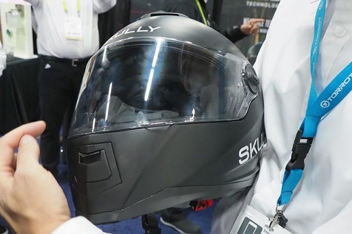 SKULLY FENIX AR 智能頭盔