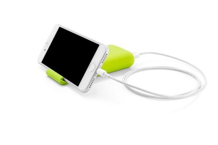 電池可以當作手機立架使用
