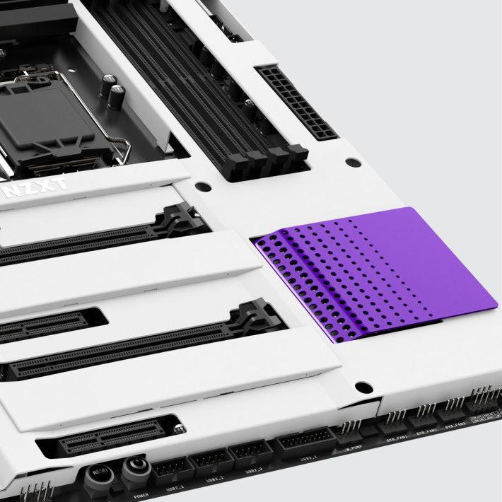 白色部份為 PCB 外蓋。