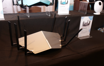 【CES 2018】802.11ax Wi-Fi 新制式 D-Link AX11000 速度共計過萬 Mbps