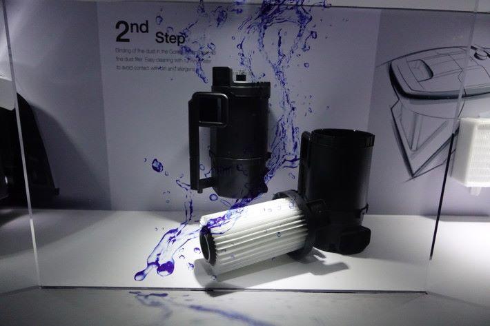 第二重的 GORE 微塵分隔筒,配備 GORE CleanStream 濾網,能有效鎖緊肉眼難見的微塵和致敏源。