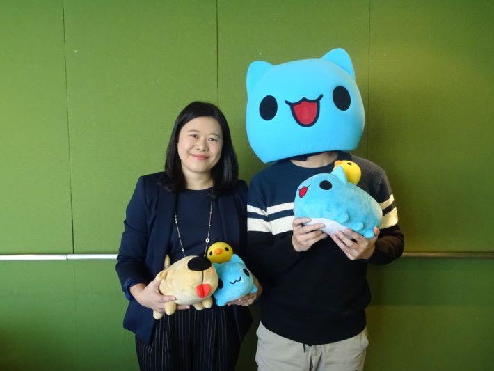 LINE 台灣貼圖團隊總監呂苔君及貓貓蟲咖波作者亞拉分享有關 LINE 創作者的點滴。