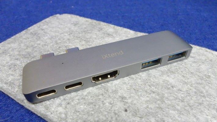支援 PD 2.0 供電,方便為不同電子產品充電。