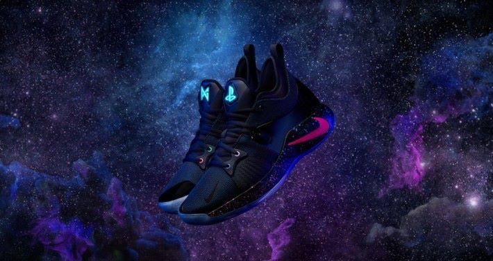 鞋舌的標誌會發出藍光