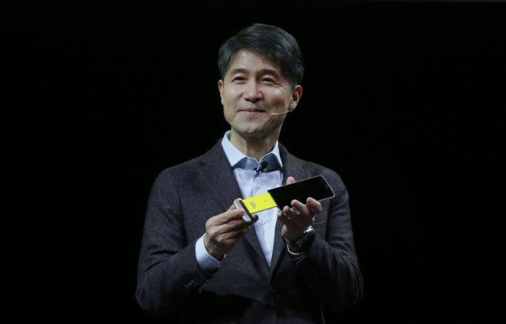 LG 前手機部門主管 Cho Juno 任務負責推動 G5 及 G6 的開發和銷售。