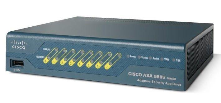 上一代入門級的 ASA-5505 防火牆。