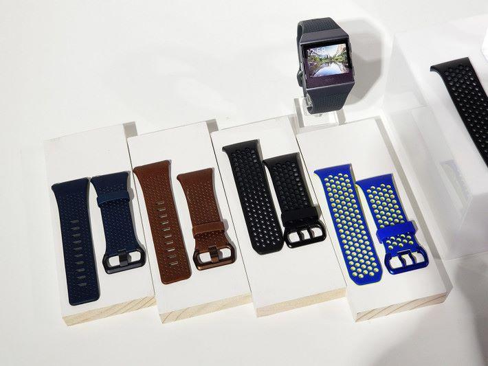 想較為「斯文」的話大可選擇皮革錶帶。