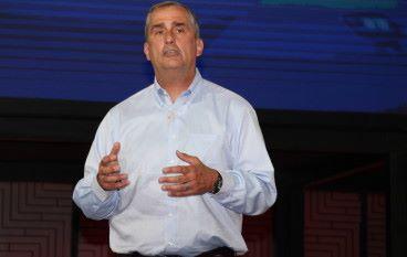 爆出 Meltdown 前賣股,Intel CEO 套現 2,400 萬美元