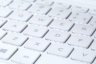 全白色鍵盤當然搭配白色背光燈。