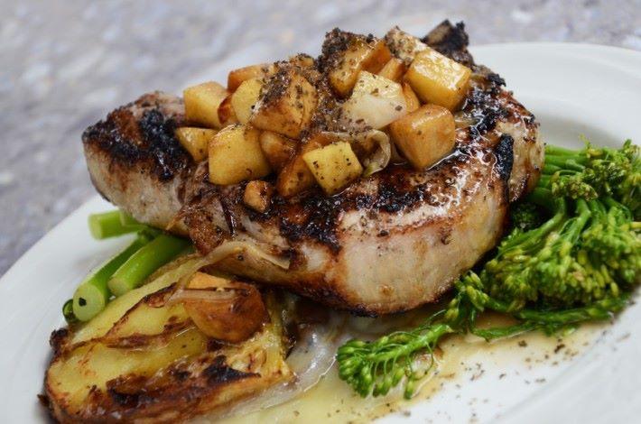 西餐雖然吸引,但若然餐廳爆滿,其他菜式亦受歡迎。