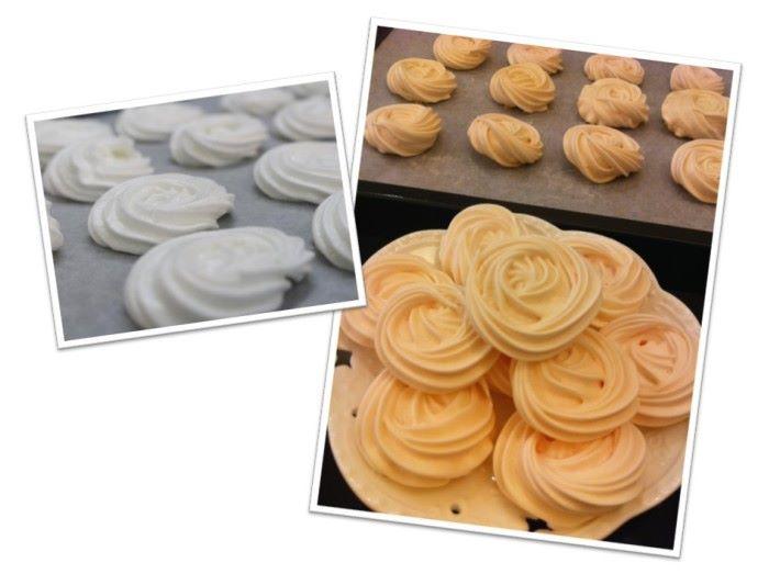 當然你可以在煉奶狀的狀態下加入不同的食用色素改變棉花糖的顏色,同時如果把煉奶狀材料放在焗爐烘烤約 100 分鐘,就會變成蛋白餅。