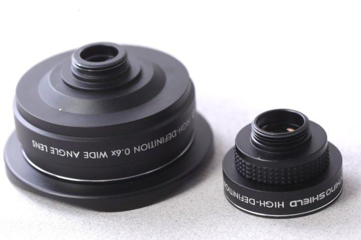 RhinoShield 0.4X超廣角鏡頭(圖左) 售價:HK$348 查詢:CSRi Ltd.(9347 8534)