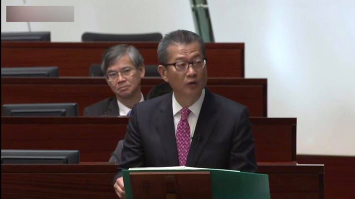 今年財政預算案將撥款 1 億給數碼港推動電競發展。