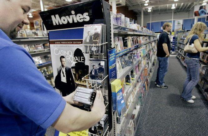 隨著串流影片服務的普及,令電影 DVD 的銷售正逐年下跌。