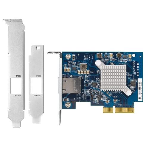 出廠預裝 Low-Profile 擋板,另附 Full-Height 及部分 QNAP NAS 型號特用的擋板。