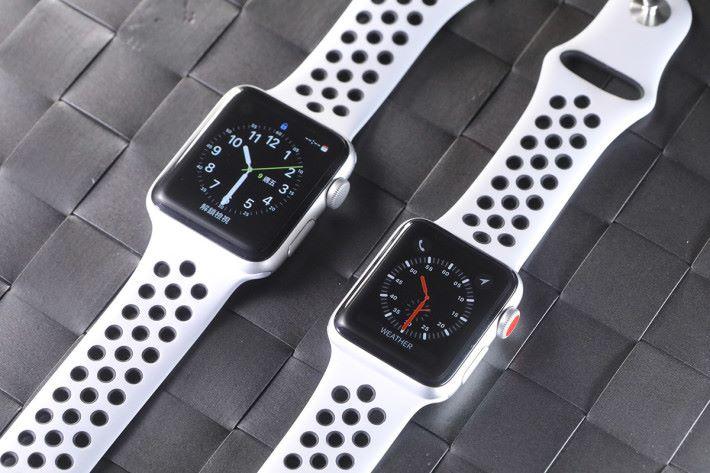 同 Series 2(左)比較,不看小紅點的話,外型上真的未必可區分開來。