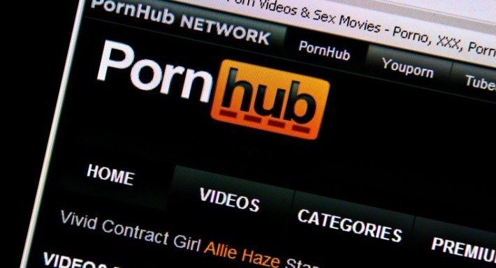 去年10月 Pornhub 就做到駭客入侵,令所以百萬用戶被惡意程式滋擾。