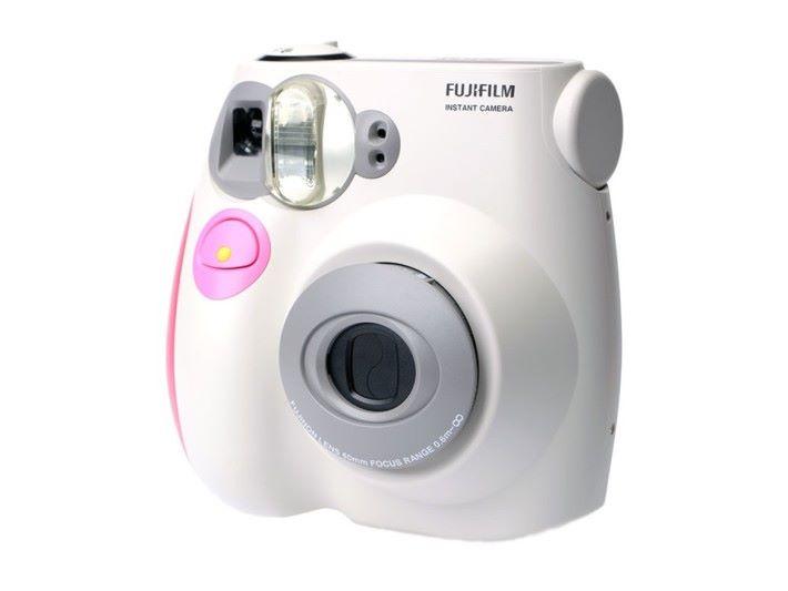很多即影即有相機,電源主要是給閃光燈用。