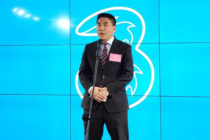 3香港業務總裁古星輝表示,啟動5CC載波聚合技術後,可將頻譜效益進一步發揮。