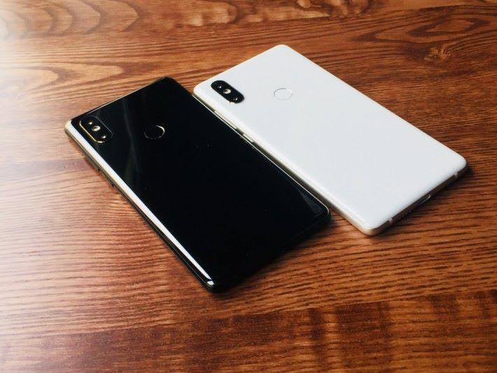 MIX 2S 將會分為黑白兩種顏色。