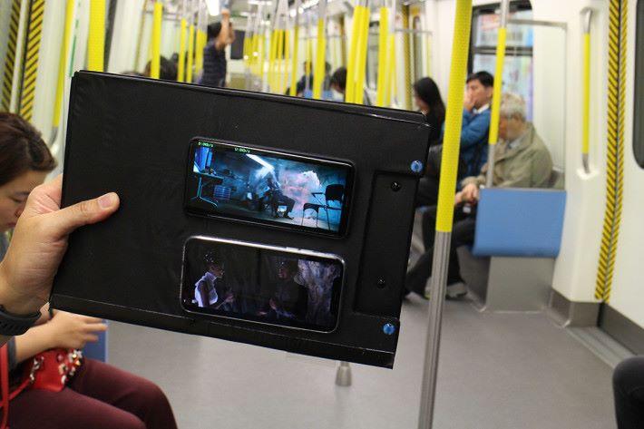 於海怡半島港鐵站實試,不論是月台或車廂中,觀看 YouTube 影片的載入速度亦是頗快。