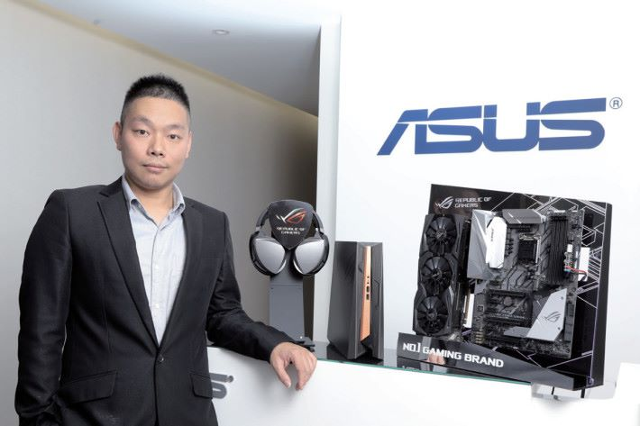 ASUS 開放平台業務處-產品經理施正傑。