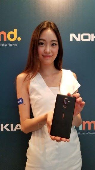 Nokia 7 plus 機背備有雙主鏡頭,指紋辨識則在鏡頭下方。
